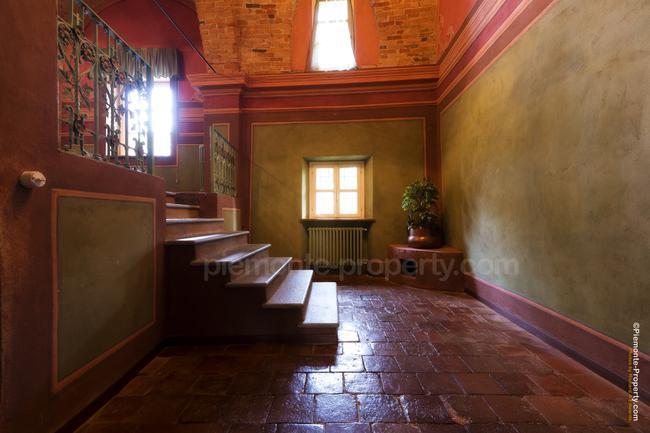 Luxury villa in beautiful position-9