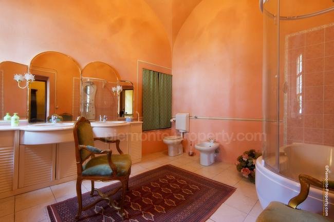 Luxury villa in beautiful position-10