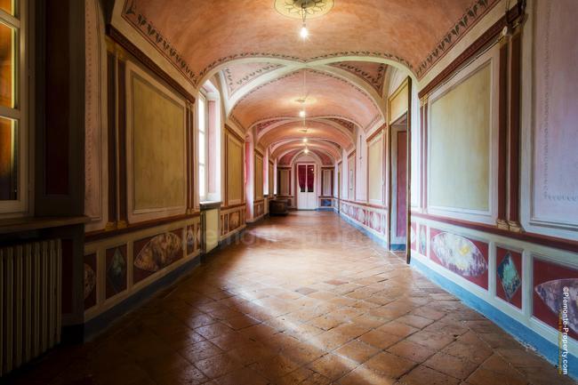 Luxury villa in beautiful position-11