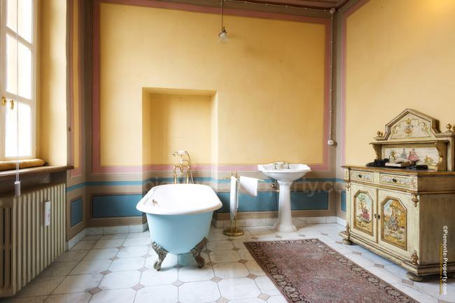 Luxury villa in beautiful position-12