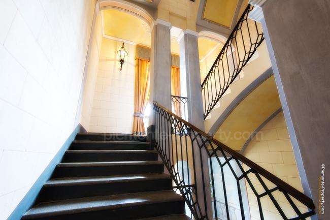 Luxury villa in beautiful position-18