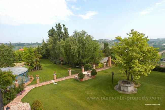 Luxury villa in beautiful position-21