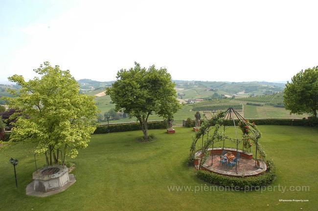 Luxury villa in beautiful position-22