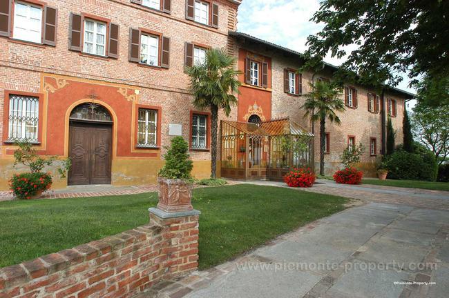 Luxury villa in beautiful position-26