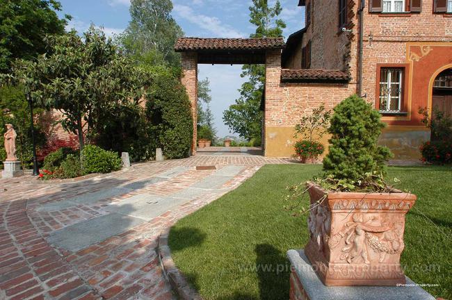Luxury villa in beautiful position-27