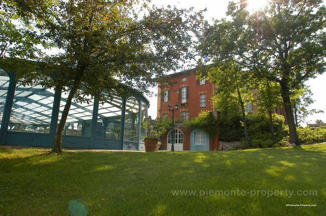 Luxury villa in beautiful position-28