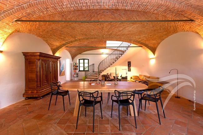 Spectacular restored Langhe farmhouse-12