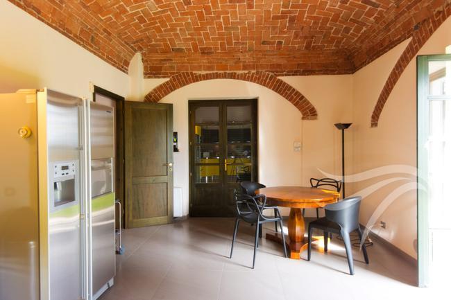 Spectacular restored Langhe farmhouse-17