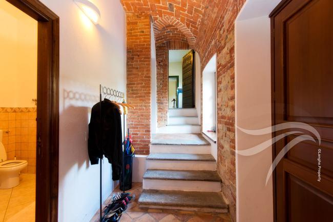 Spectacular restored Langhe farmhouse-19