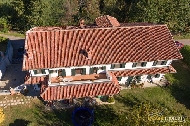 Restored farmhouse in great location-20