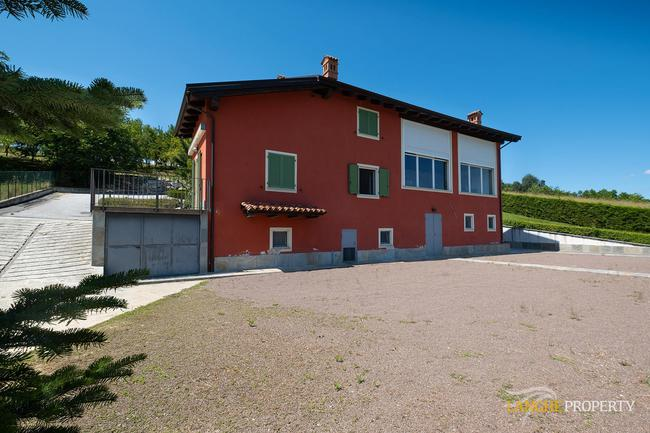 Spacious Langhe home-5