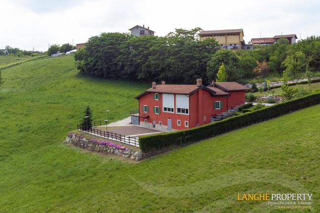 Spacious Langhe home-35