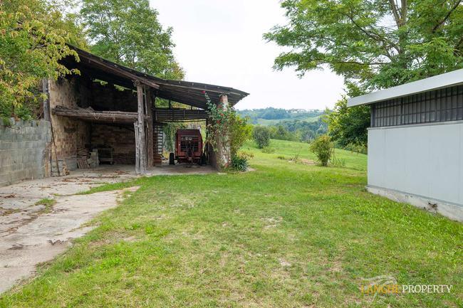 Langhe farmhouse for restoration-5