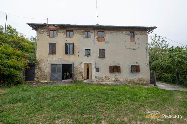 Langhe farmhouse for restoration-6