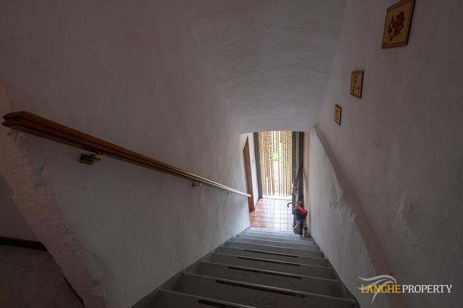 Langhe farmhouse for restoration-11