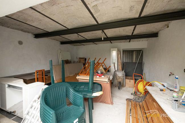 Langhe farmhouse for restoration-19