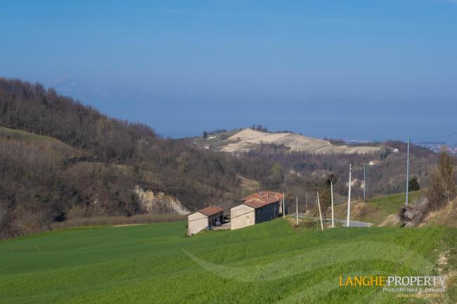 Langhe stone farmhouse for restoration-1