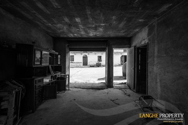 Langhe stone farmhouse for restoration-9