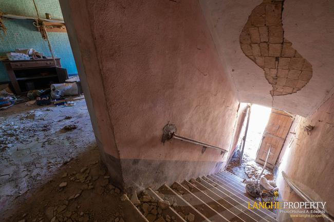Langhe stone farmhouse for restoration-14