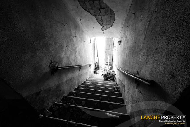 Langhe stone farmhouse for restoration-15