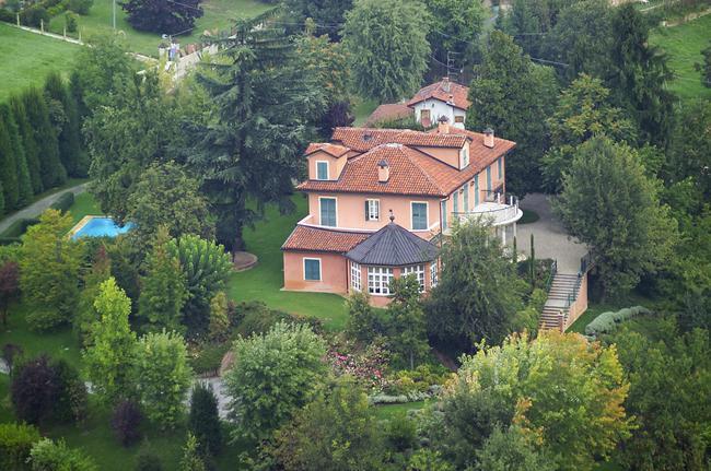 Roero villa with swimming pool-0