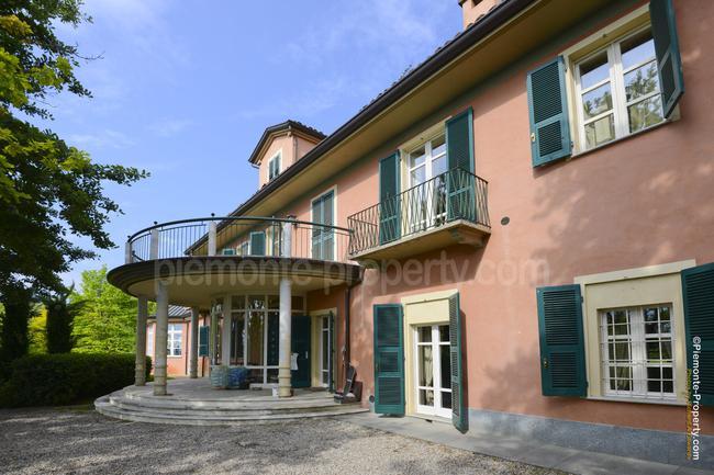 Roero villa with swimming pool-3