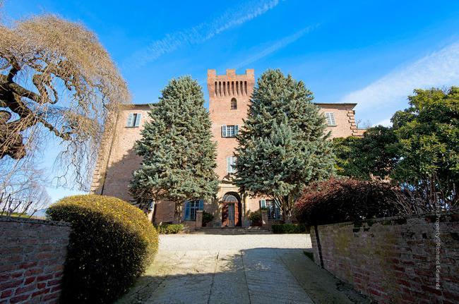 Incredible Piedmont Castle-0