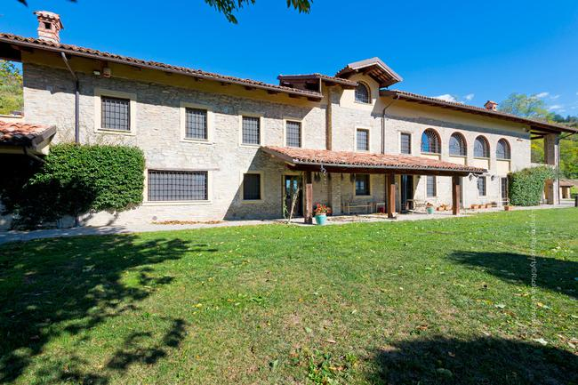 Fully restored Langhe-stone home-0