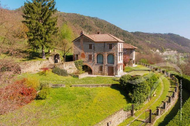Perfect Langhe farmhouse-1