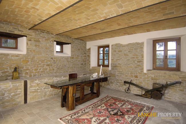 Perfect Langhe farmhouse-35