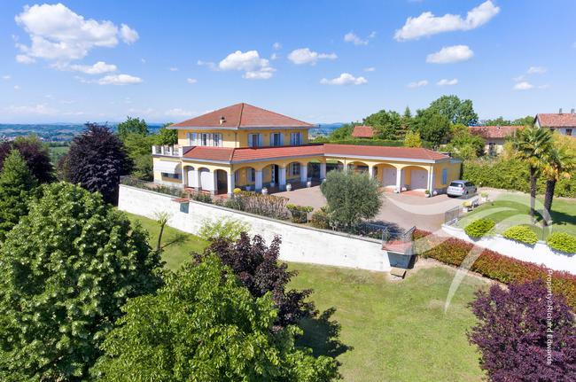 Luxury villa with view of the Alps-0