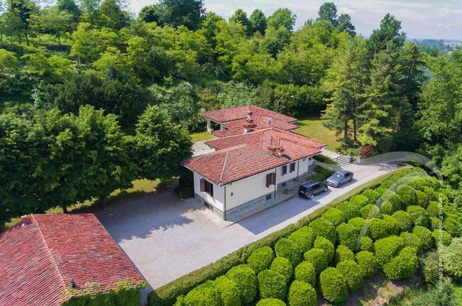 Impressive Piedmont villa-0