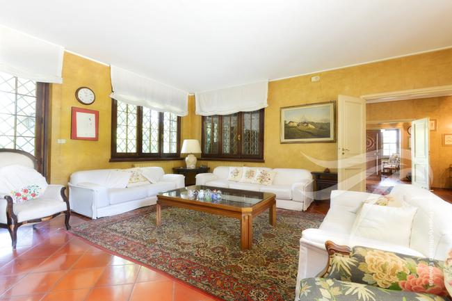 Impressive Piedmont villa-5