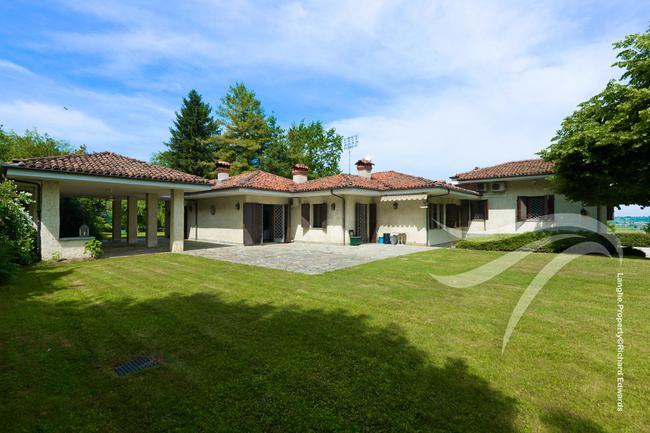 Impressive Piedmont villa-19