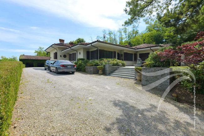 Impressive Piedmont villa-29