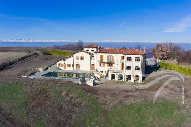 Luxurious Villa-0