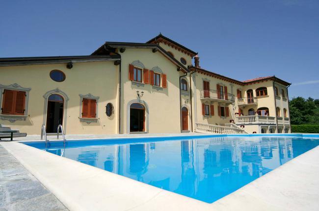 Luxurious Villa-3