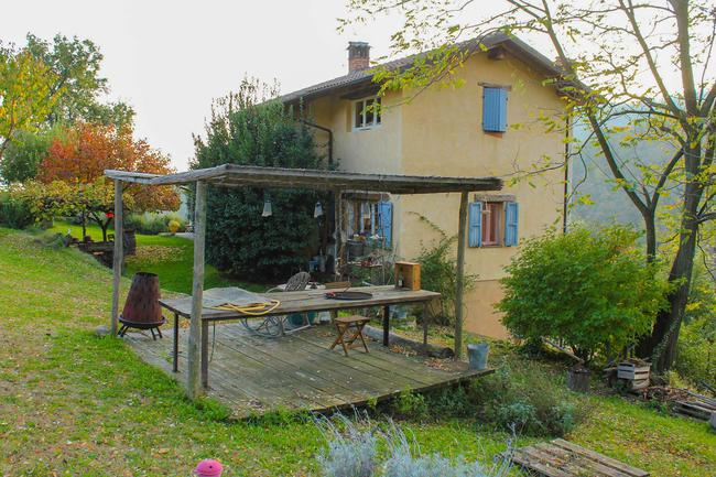 Monferrato country home with beautiful views-4