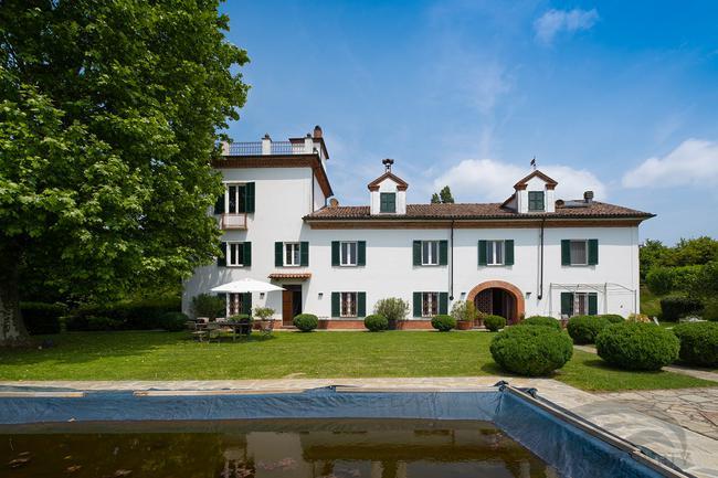 Piedmont wine estate-0