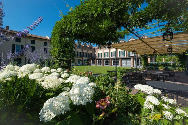 Luxury hotel-2