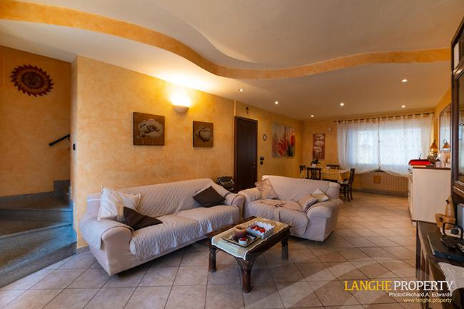 Barolo area town-house for sale-1