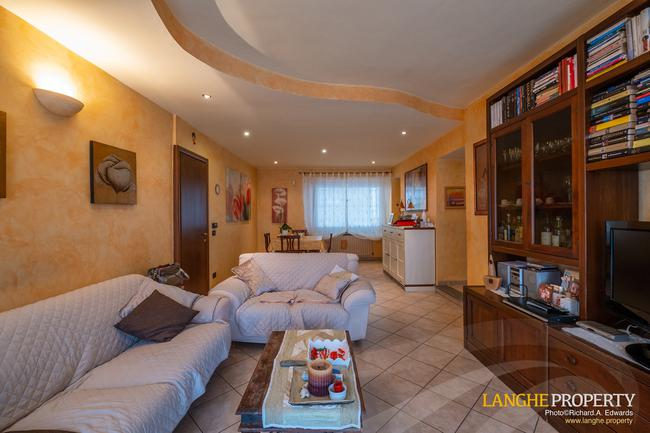 Barolo area town-house for sale-5