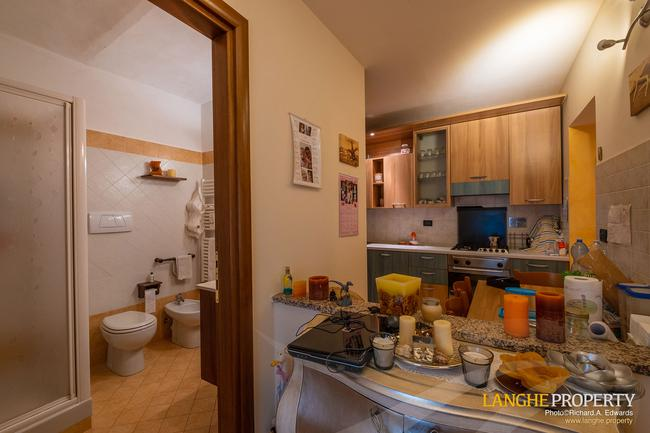 Barolo area town-house for sale-8