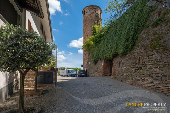 Barolo area town-house for sale-15
