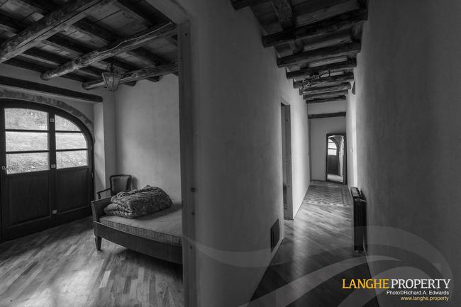 Restored farmhouse in Monferrato hills-6