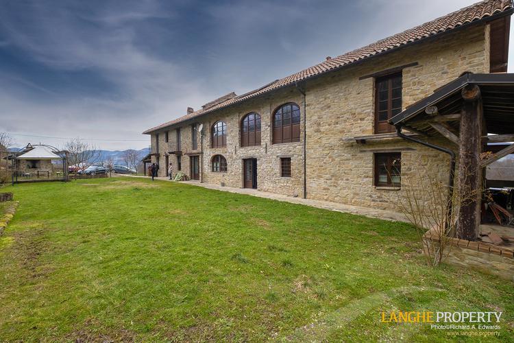 Restored farmhouse in Monferrato hills