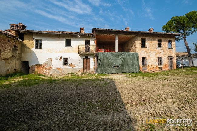 Rustic country house close to Alba-1