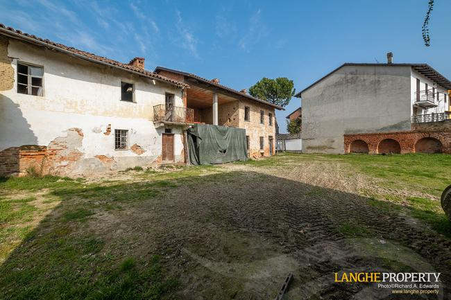 Rustic country house close to Alba-2