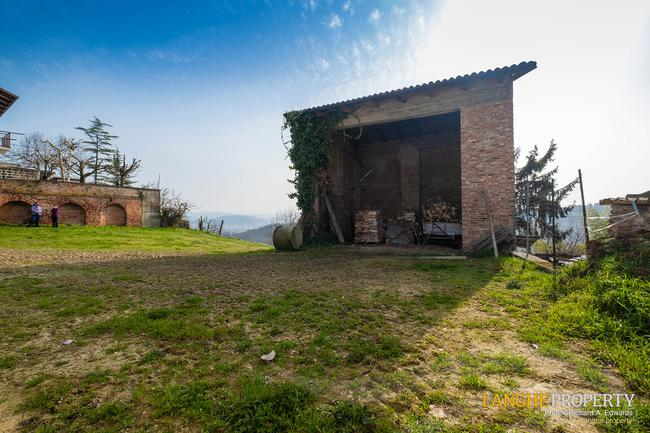 Rustic country house close to Alba-4