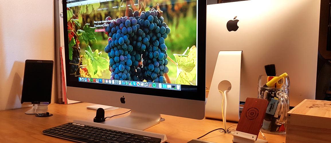 Buying an Apple in Asti